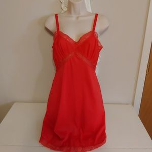 Vintage 60s red pin up slip